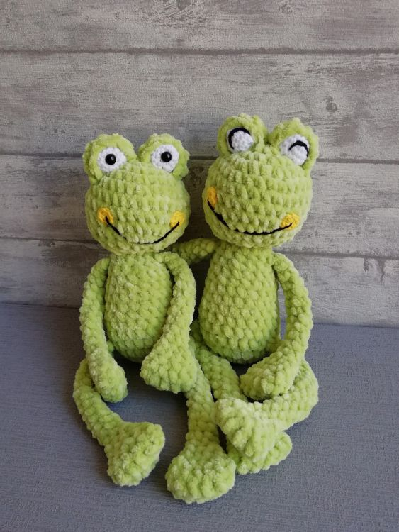 I made a pacifier buddy for my daughter...Fritz the frog prince ... | 750x563
