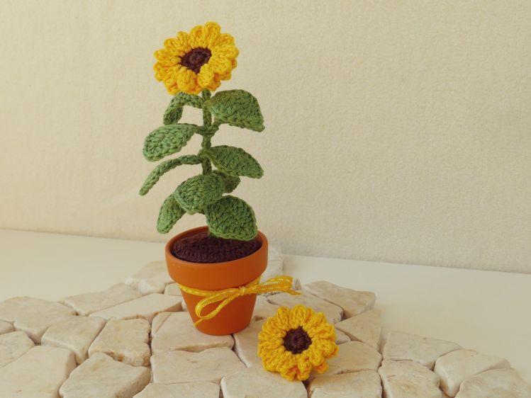 Häkelanleitung Sonnenblume, Miniblume im Topf - myPatterns.de