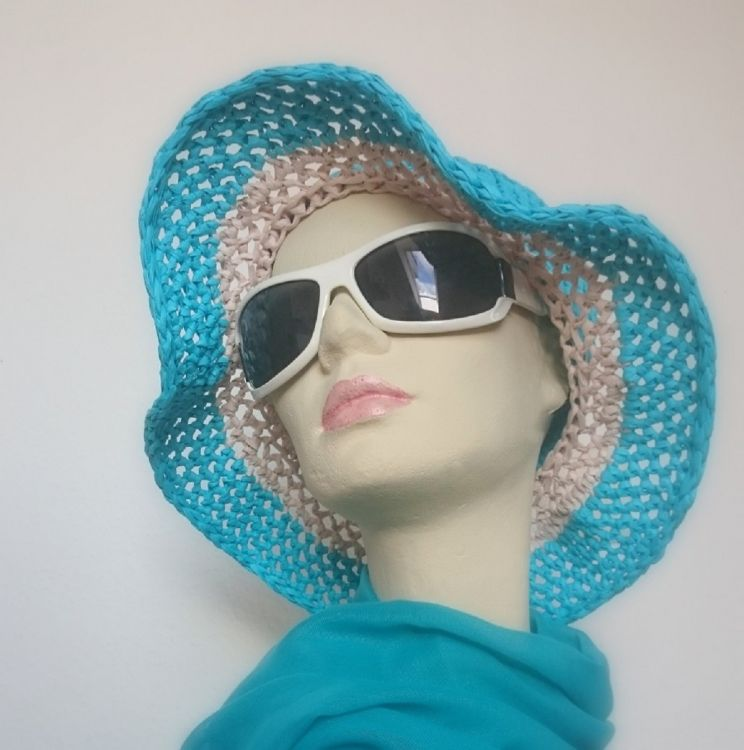 Häkelanleitung für einen Sommer-Sonnen-Hut in verschiedenen ...