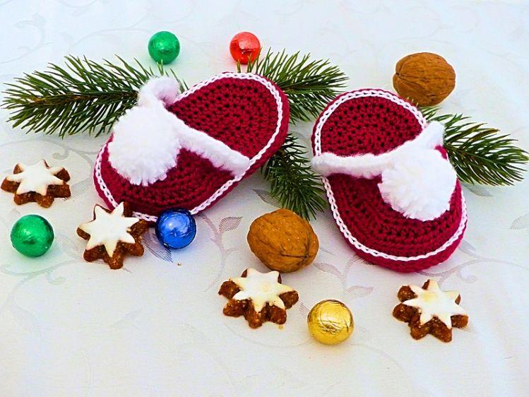 Kleine Weihnachtspantoffeln Häkelanleitung - myPatterns.de