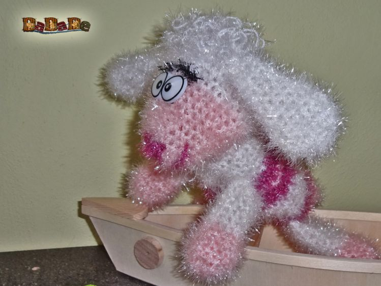 Little Baby Lamb / Amigurumi   Schaf häkeln, Handarbeit und ...   562x749