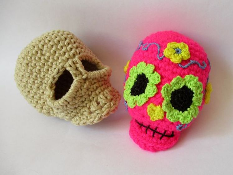 Sugar Skull Amigurumi Free Crochet Pattern (avec images) | Crochet ... | 561x749